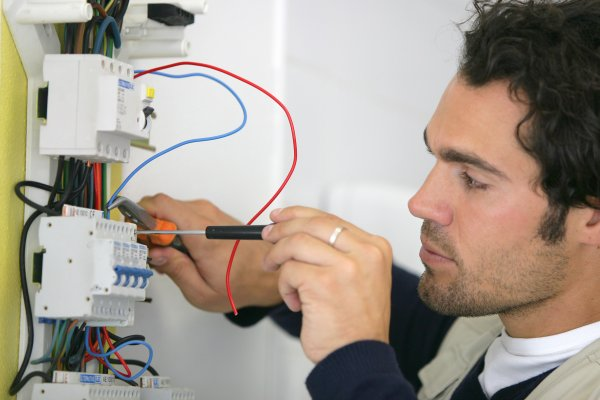portage salarial electricien